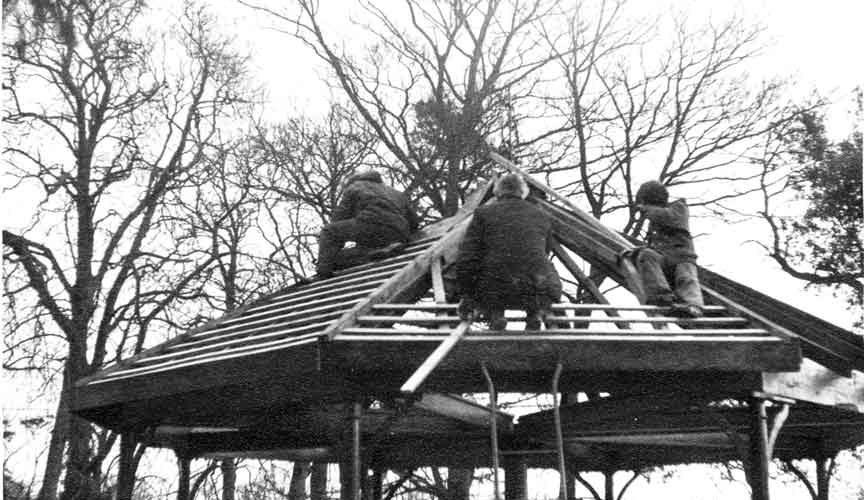 Greys-Court-BIAG-members-roofing-horse-wheel