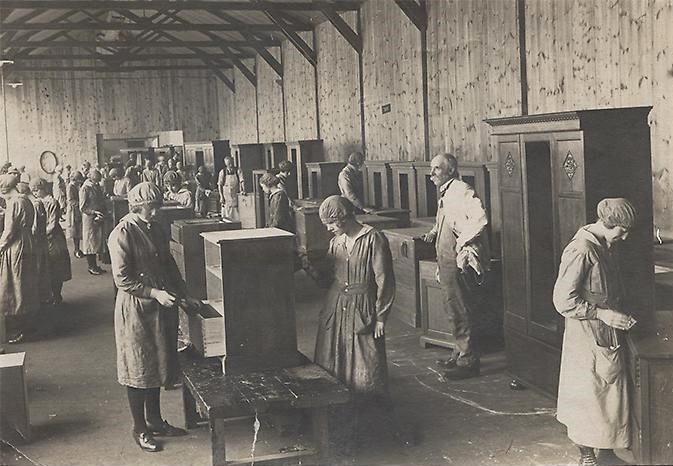 Elliotts of Newbury - Furniture Works (early 20C) West Berkshire Museum